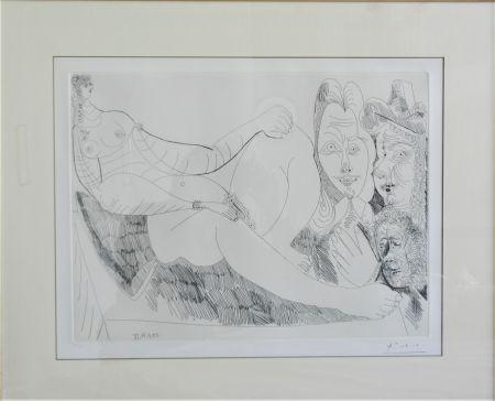 Radierung Picasso - Femme au Lit avec Visiteurs en Costume du XVII Siecle