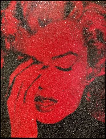 Multiple Young - Marilyn Crying - Fire Red