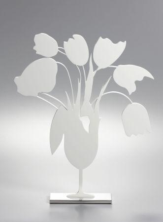 Keine Technische Sultan - White tulips and vase, April 4, (Sculpture)